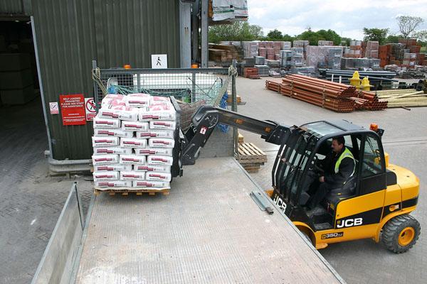 Rough Terrain Forklift, TLT 35 D Teletruk Forklift Truck, All Terrain Forklift